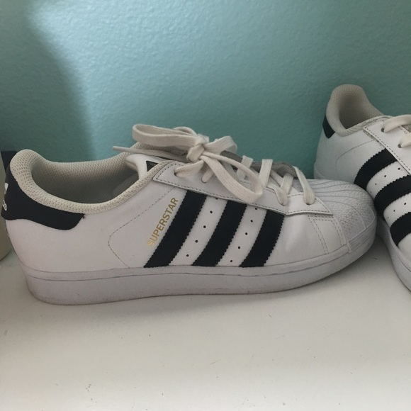 adidas superstar mens and womens difference